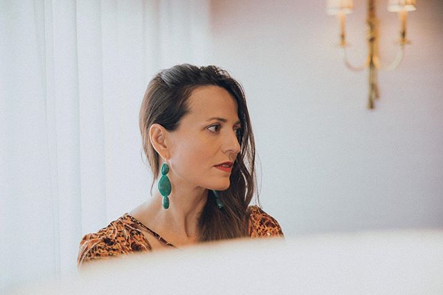 Detalles bonitos  Preciosa @elena.lof a través de 📸 @freckleseye en el impresionante @granhotellatoja️ <a href=